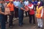 Perayaan Natal, Gartap III/Surabaya Bagikan Paket Sembako Untuk Pasukan Kuning