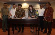 Semen Indonesia – Dubes Swedia Serah Terima Sertifikat Penurunan Emisi