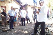 Pejabat Kanwil Hukum dan HAM NTB kunjungi Korban Banjir Bima
