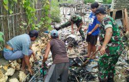 Antisipasi Banjir, Koramil 02 Tlanakan Bersihkan Gorong-gorong bersama Warga