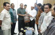 Pemko Banda Aceh Serahkan Bantuan Peralatan Sekolah Untuk Korban Gempa