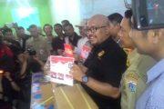Surat Suara Pilkada DKI Jakarta Tengah Dilipat Petugas