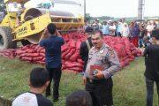 Jajaran Polres Bireuen Musnahkan Puluhan Ton Bawang Merah