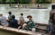 Demi Rakyat, Sungaipun Bukan Halangan TNI Patroli