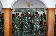 100 Prajutit dan PNS Kodim Tuban Ikuti Pengajian Rutin Di Masjid Al Amin