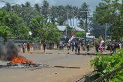 Massa Pendukung Paslon Ali-Yuk Blokir Jalan