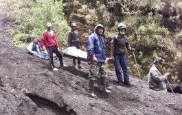 Mayat Ditemukan di Lereng Widodaren, Koramil Bantu Evakuasi