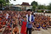 Usai Sholat Subuh, Wako Harnojoyo Kunjungi Sekolah – Sekolah