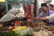 Usai Shalat Subuh, Harnojoyo Belanja Daging di Pasar Gubah