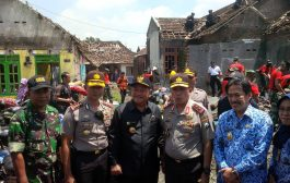 Kunjungan Kapolda Jatim, Bantu 600 paket Logistik Warga Puing Puting Beliung