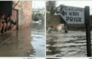 Ludes Terendam Banjir, Anak-anak Kampung Sepatan Butuh Peralatan Sekolah
