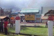 Jelang Pleno Esok, Kantor KPU Kepulauan Yapen Dibakar OTK.