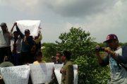 Kunjungan Anggota DPRD Sumenep Ke Giliraja Disuguhi Protes Warga