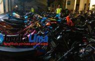 Geng Jalanan lemas, Saat Ratusan Motor Diangkut ke Polres Situbondo