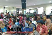 Hari Terakhir Tax Amnesty Periode III, KPP Pratama Situbondo Sesak Pengunjung Hingga Keluar Kantor