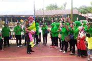 Kegembiraan, Ketua Persit Cabang Xxxix Dim 0114 di Gendong