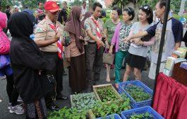 """Warga Surabaya Antusias Merespons """"Minggu Pertanian"""""""
