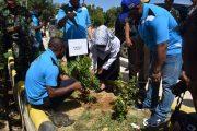 Prajurit Yonif RK 752 Tanam Pohon dan Bersihkan Sungai Remu
