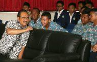 """Gus Ipul Ajak Siswa SMA Tangkal """"Hoax"""""""
