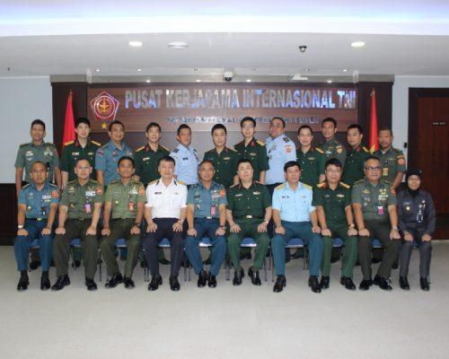 Kapuskersin : TNI-VPA Tingkatkan Kerja Sama Militer