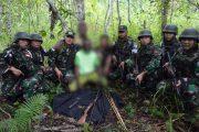 Lagi Warga Perbatasan RI-PNG Serahkan Senjata Api ke Satgas Yonif Mekanis 516/CY