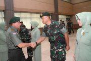 Pangkostrad Pimpin Upacara Kenaikan Pangkat Perwira Kostrad