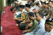 Shallat Subuh Bersama Warga, Kapolres Jakut Ajak Jaga Kamtibmas
