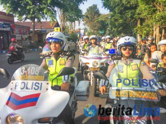 Hari Kartini, Polwan Polres Bondowoso Jadi Patwal