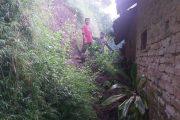 Rumah Ibu Suparmi diterjang Longsor