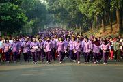 Ribuan Orang Ikuti Gerak Jalan Santai Meriahkan HUT Ke-51 IKKT PWA