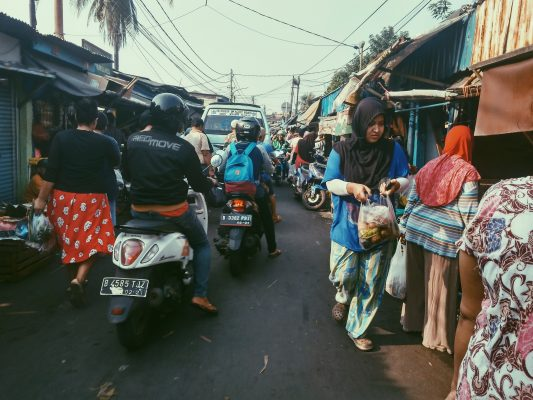Jangkrik, Pasar Sekelebat