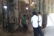 Keselamatan Kerja Karyawan Pabrik Penggilingan Bekatul Terabaikan
