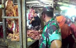 Demi Masyarakat, Koramil 0817/04 Gandeng Muspika Operasi Pasar