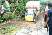Jalan Meulaboh Tangse Km 57,5 Longsor Puluhan Kenderaan Jerjebak