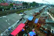Ancaman Pasar Dekat Lintasan Kereta