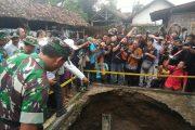 Gus Ipul Tinjau Langsung Lokasi Sumur Ambles Di Puncu Kediri