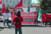 Peringati Hari Buruh Se-Dunia, Aktivis Di Madiun Lakukan Unjukrasa