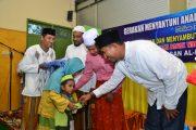 Peringati Nuzulul Qur'an Wabup Achmad Fauzi Santuni Anak Yatim dan Kaum Duafa
