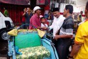 Momentum Ramadhan Cawali Suwito Santuni Abang Becak