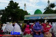 Dr KH, Ahmad Buchory Jadi Khotib Masjid As-Syuhada Pamekasan
