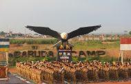 Personel Satgas Kizi TNI Menggelar Sholat Idul Fitri di Afrika