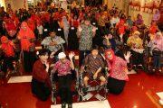 BKOW Jatim Berbagi Kasih dan Nobar Dengan Disabilitas