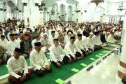 Pangdam IM Bersama Forkompimda Aceh Sholat Idul Fitri di Masjid Raya