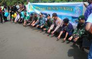 Pelepasan 300 Ekor Anak Penyu Oleh Wakil Walikota Jayapura