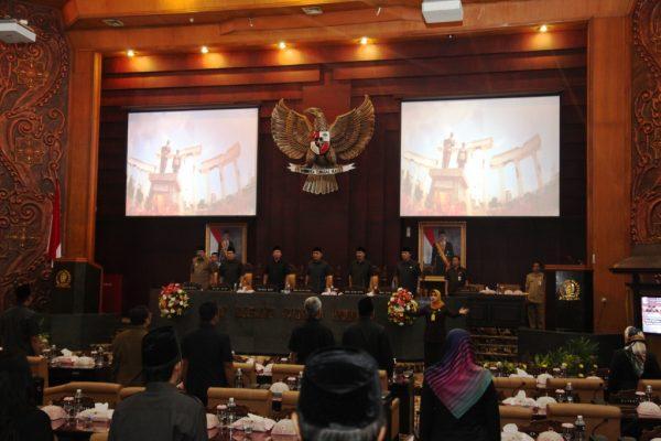 Gubernur Jatim Dukung Raperda Hak Keuangan dan Adminsitratif DPRD