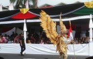 Pakde Karwo dampingi Presiden Jokowi Buka Grand Carnival JFC 2017