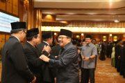 Lantik Panitia Pengawas Pemilu,  Pakde Karwo Tekankan Tingkatkan Koordinasi Dengan Forkopimda
