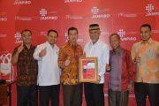 Walikota Padang Terima Penghargaan PR INDONESIA Best Cummunicators 2017