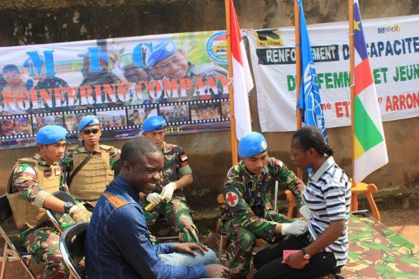 Sambut HUT RI Ke-72, Pasukan Garuda Gelar Pengobatan Gratis di Afrika Tengah