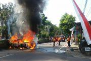 Gara-Gara Las Knalpot, Mobil Ludes Terbakar